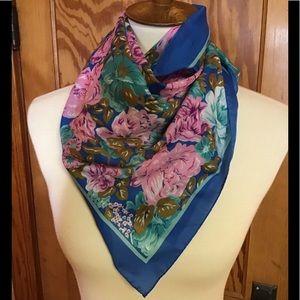 Vintage 70s bright feminine flowers scarf